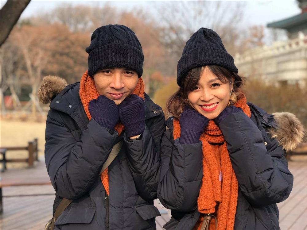 Giữa ồn ào hôn nhân lần 2 đổ vỡ, BTV Hoàng Linh khẳng định: Cảm hứng lắm thì trắng tay thôi-2