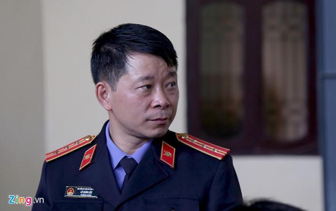 Chị của Phan Sào Nam khóc trước tòa, nói lời hối hận vì quá tin em-3