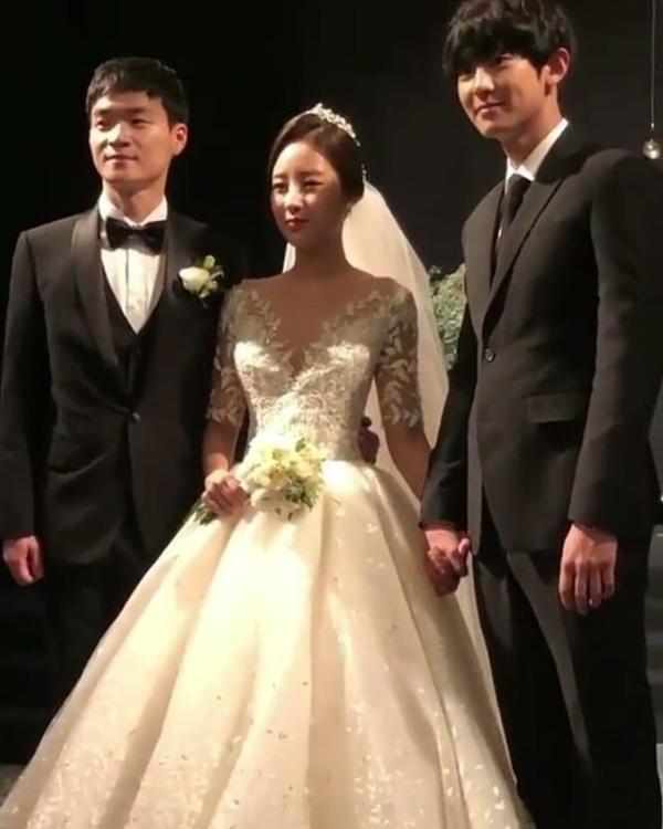 Chị gái của Chanyeol (EXO) cay đắng nói về cậu em trai nổi tiếng-9