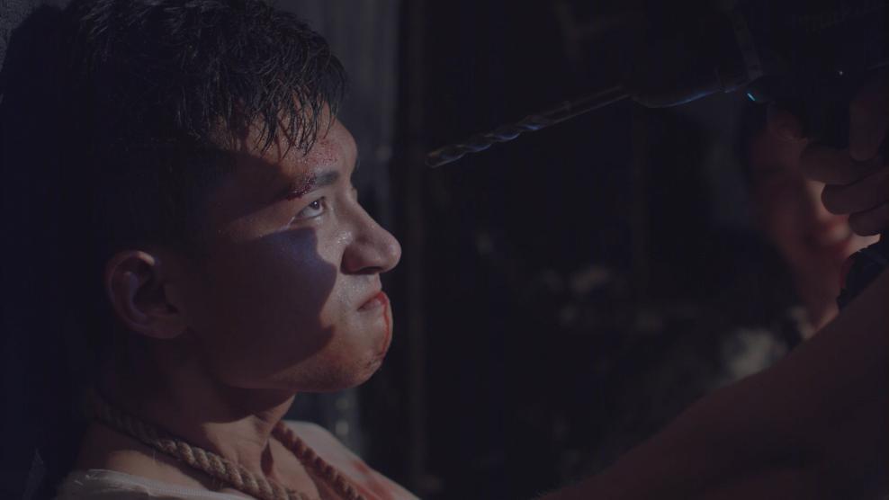 Khả Ngân và Cao Thái Hà khóc hết nước mắt khi nghe tin người yêu hi sinh-3