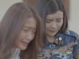 Khả Ngân và Cao Thái Hà khóc hết nước mắt khi nghe tin người yêu hi sinh