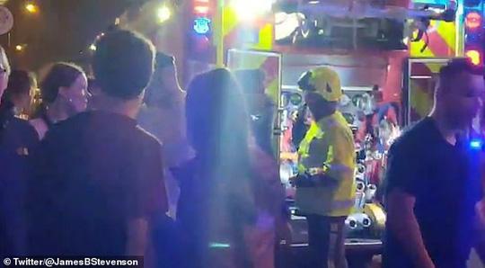 Hỗn loạn vì bom khói, 4 người bị thương trong đêm nhạc Lil Pump-2