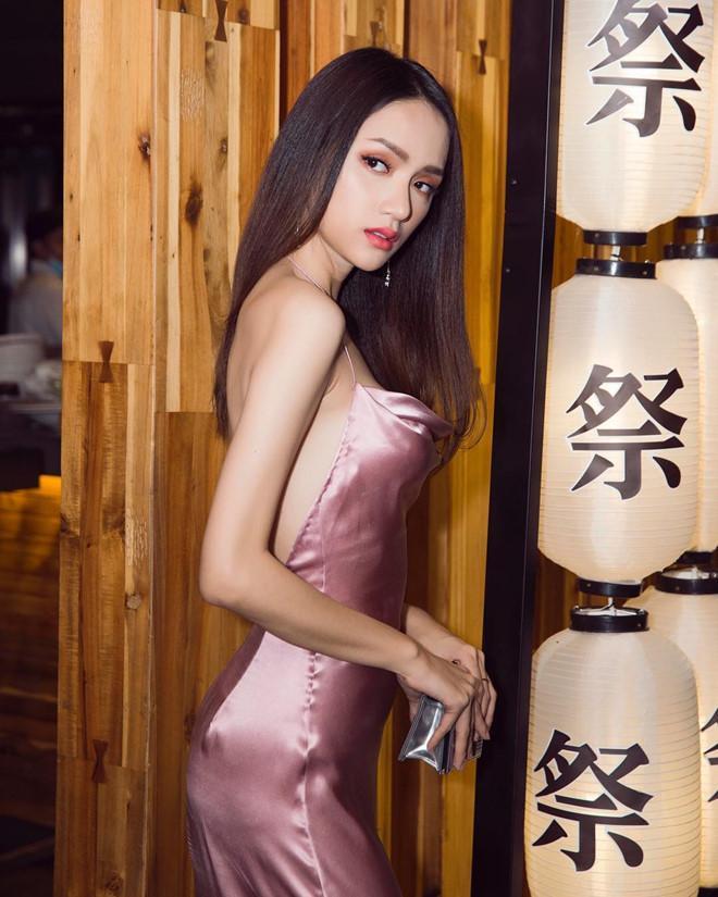 Cơ thể Hoa hậu Hương Giang ngày càng gầy gò trơ xương-1