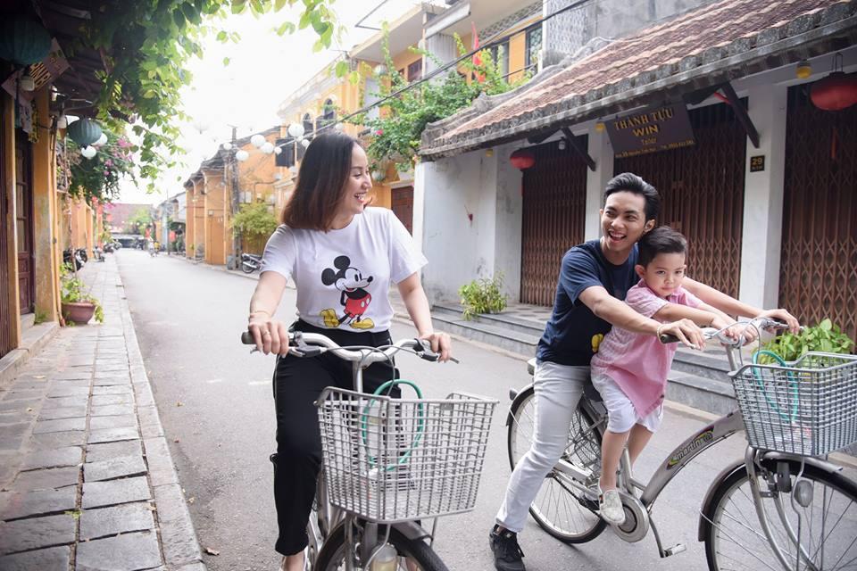 Phan Hiển á khẩu khi bị săm soi lúc đi mua sắm với Khánh Thi-3