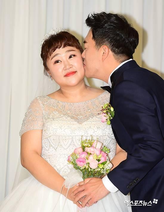 Diễn viên hài xứ Hàn giảm 30kg để mặc vừa váy cưới: Hiện tại chưa muốn có con-2