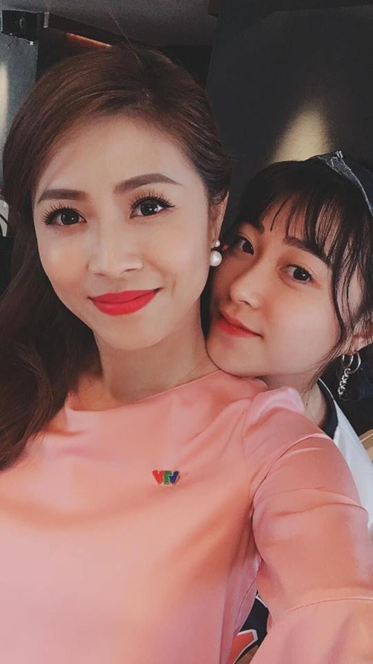 Tạm quên ồn ào tình cảm, MC Hoàng Linh còn gây chú ý khi có em gái sở hữu nhan sắc đẹp tựa hotgirl-11
