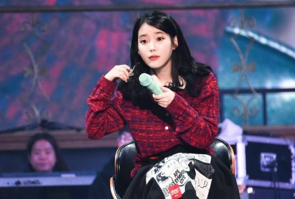 Jiyeon xuất hiện tại concert riêng của IU, xóa tan tin đồn xích mích bao năm nay-1