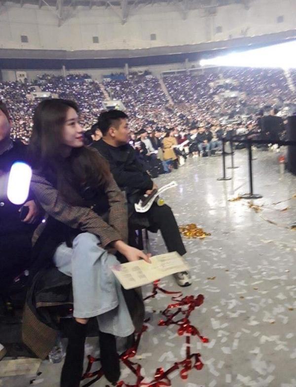 Jiyeon xuất hiện tại concert riêng của IU, xóa tan tin đồn xích mích bao năm nay-3