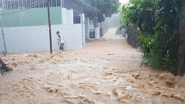 Bão số 9 đổ bộ, Nha Trang tiếp tục đối mặt nguy cơ ngập lụt-2