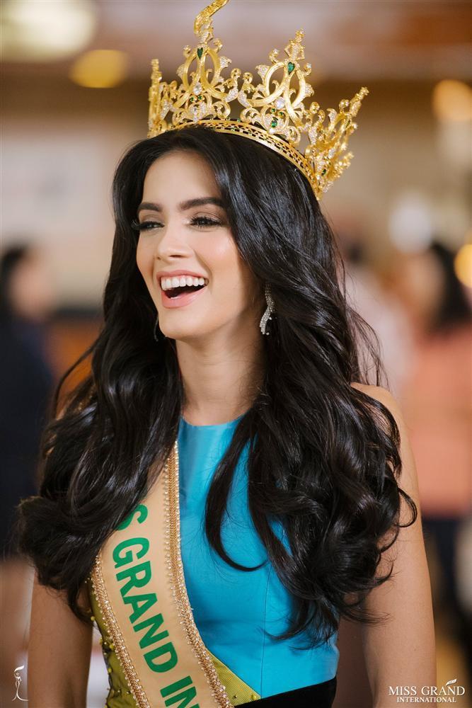 Được khen đẹp hơn Hoa hậu Trái đất Phương Khánh, tân Hoa hậu Hòa Bình 2018 cười ha hả khiến mạng xã hội dậy sóng-3