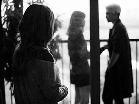 'Yêu mặn nồng 2 năm không bằng một vòng tay lạ', câu chuyện của cô gái trẻ khiến nhiều người nhận ra chân lý HẾT DUYÊN HÃY VUI VẺ DỪNG