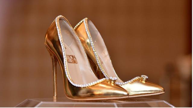 Chiêm ngưỡng đôi giày cao gót giá 100 tỷ đồng chỉ dành cho giới siêu giàu-2