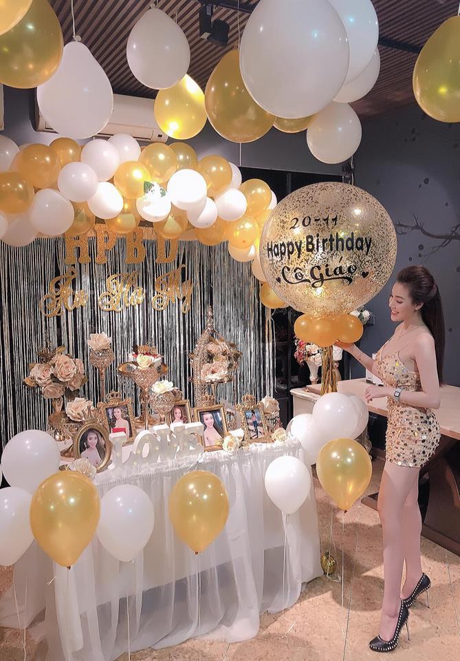 Sinh nhật đúng ngày 20/11, nữ giảng viên cực hot trên mạng xã hội khoe loạt hình ảnh nóng bỏng chào tuổi mới-2
