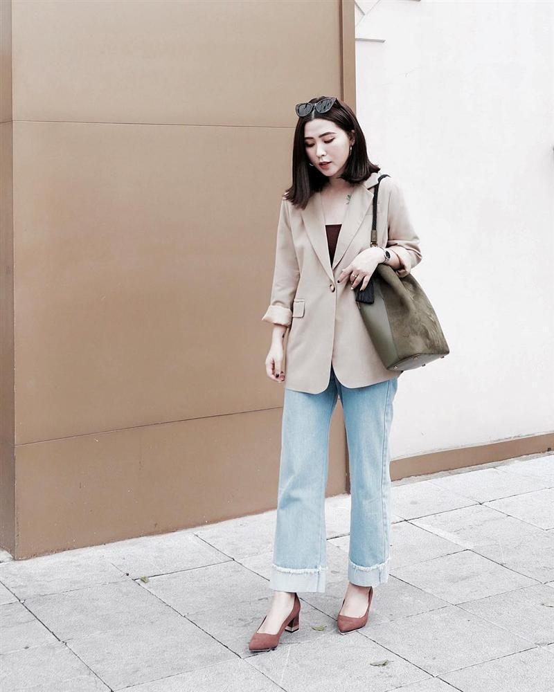Mặc chị em đón đầu xu hướng với áo sweater đa sắc màu, Chi Pu mát mẻ diện váy rộng thùng thình như bà bầu-7