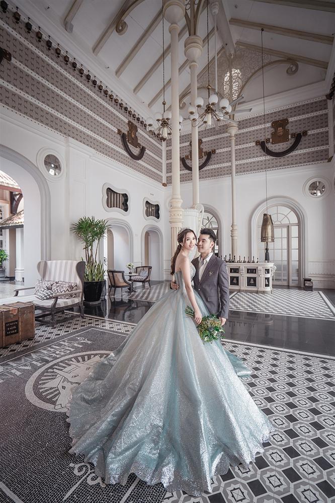Ưng Hoàng Phúc cởi trần khoe hình xăm cực chất trong bộ ảnh cưới cùng bà xã Kim Cương-5