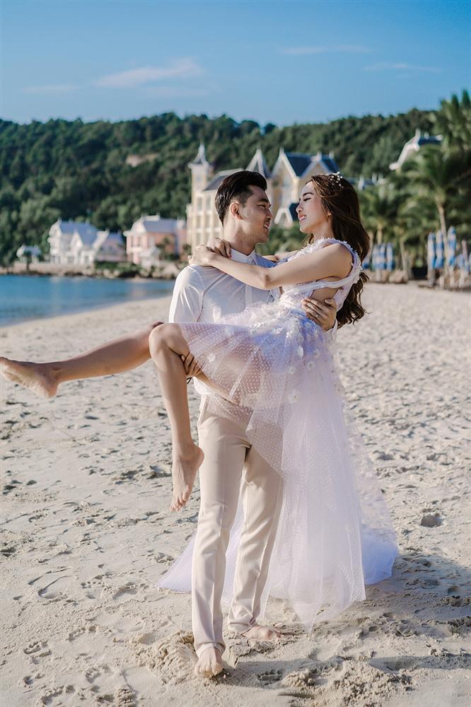Ưng Hoàng Phúc cởi trần khoe hình xăm cực chất trong bộ ảnh cưới cùng bà xã Kim Cương-12