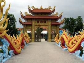 Nam Hoài Linh, Bắc Vượng Râu: 'Thiên Trường Vọng Phủ' rộng hơn 1000m2, rợn người khi bước vào trong