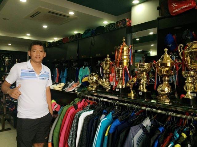 Tiền đạo Anh Đức: Cầu thủ giàu nhất Việt Nam và mối tình ít được lên báo-3