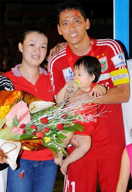 Tiền đạo Anh Đức: Cầu thủ giàu nhất Việt Nam và mối tình ít được lên báo-4