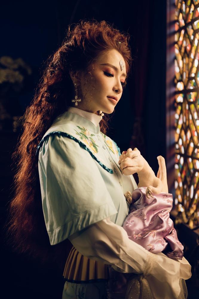 MV mới của Bích Phương bị kêu gọi tẩy chay vì quá nhiều chi tiết xúc phạm tôn giáo-5