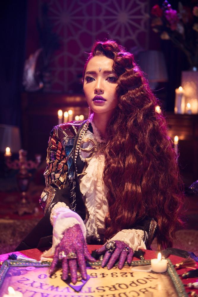 MV mới của Bích Phương bị kêu gọi tẩy chay vì quá nhiều chi tiết xúc phạm tôn giáo-6