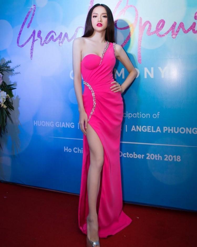 Hương Giang Idol đã đạt đến cảnh giới này rồi sao: ĐẸP bất chấp kiểu tóc hay mẫu váy kén dáng nhất-11