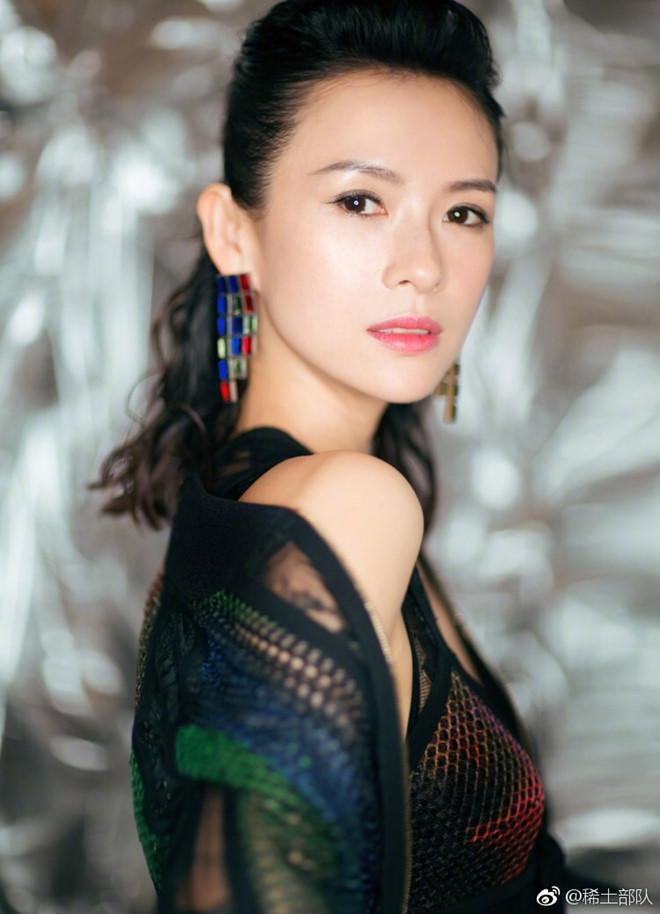 Show Dolce & Gabbana đổ bể vì bị nghệ sĩ Trung Quốc tẩy chay-2
