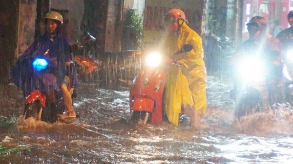 Bão trùng triều cường dâng cao, Sài Gòn có nguy cơ ngập nặng-1