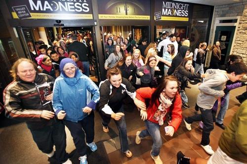 10 sự cố kinh dị nhất trong ngày hội giảm giá Black Friday-7