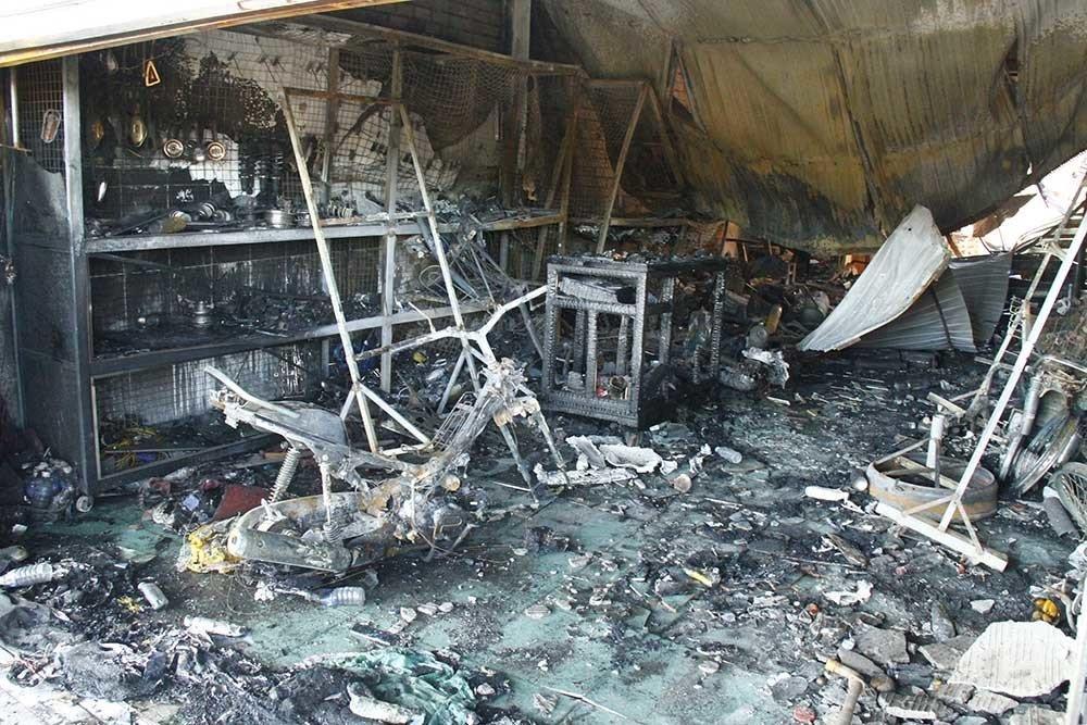 Hiện trường vụ cháy xe bồn chở xăng 6 người chết: Mọi thứ đều biến dạng-3