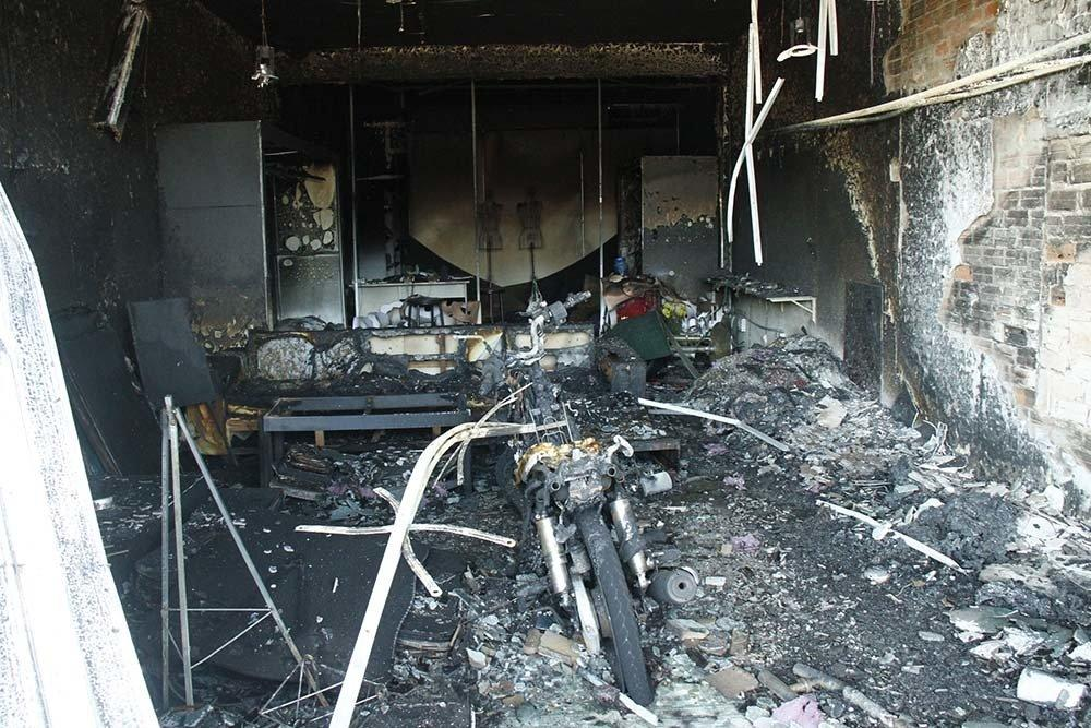 Hiện trường vụ cháy xe bồn chở xăng 6 người chết: Mọi thứ đều biến dạng-10