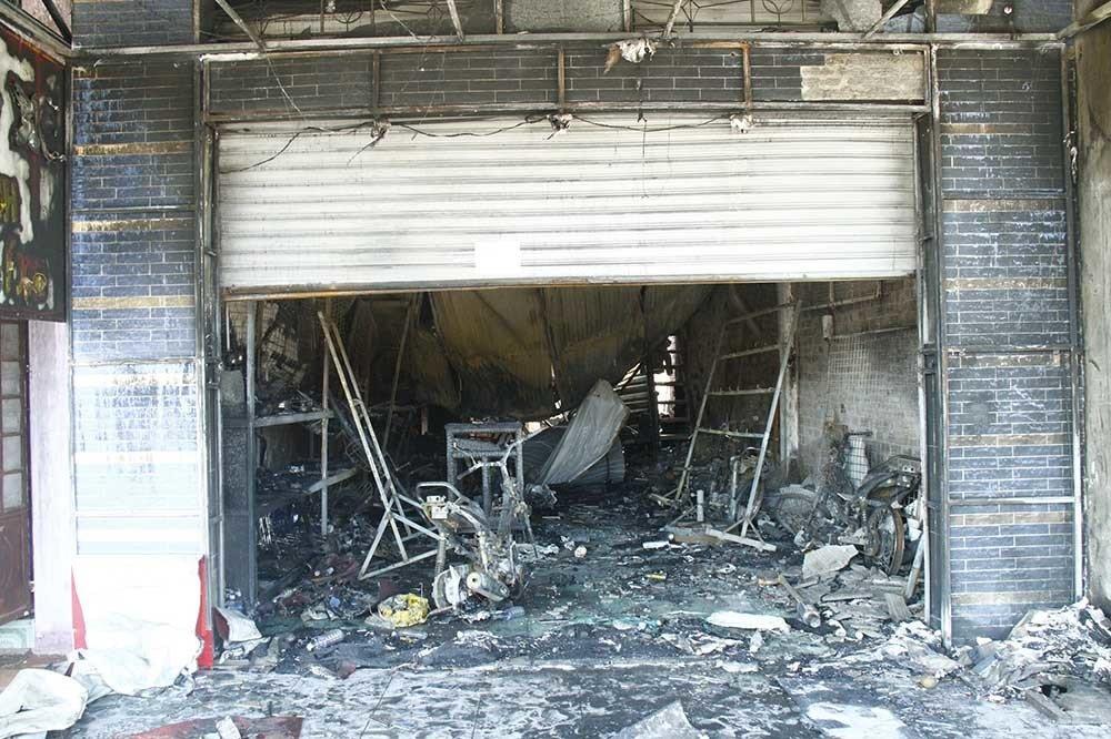 Hiện trường vụ cháy xe bồn chở xăng 6 người chết: Mọi thứ đều biến dạng-14