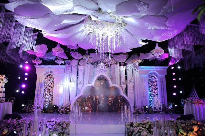 Xuýt xoa với hình ảnh vàng đeo trĩu cổ của cô dâu trong đám cưới khủng ở Cao Bằng-3
