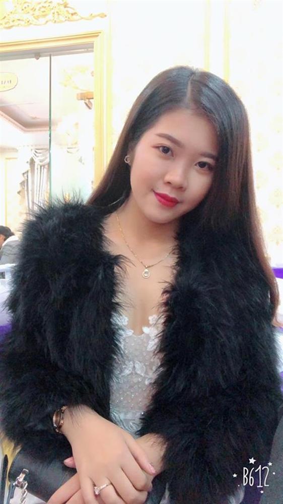 Xuýt xoa với hình ảnh vàng đeo trĩu cổ của cô dâu trong đám cưới khủng ở Cao Bằng-6