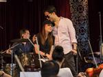 Mỹ Tâm - Hà Anh Tuấn ôm nhau tình tứ trong hậu trường: Fan 'đẩy thuyền' đi thôi, còn chờ gì nữa!