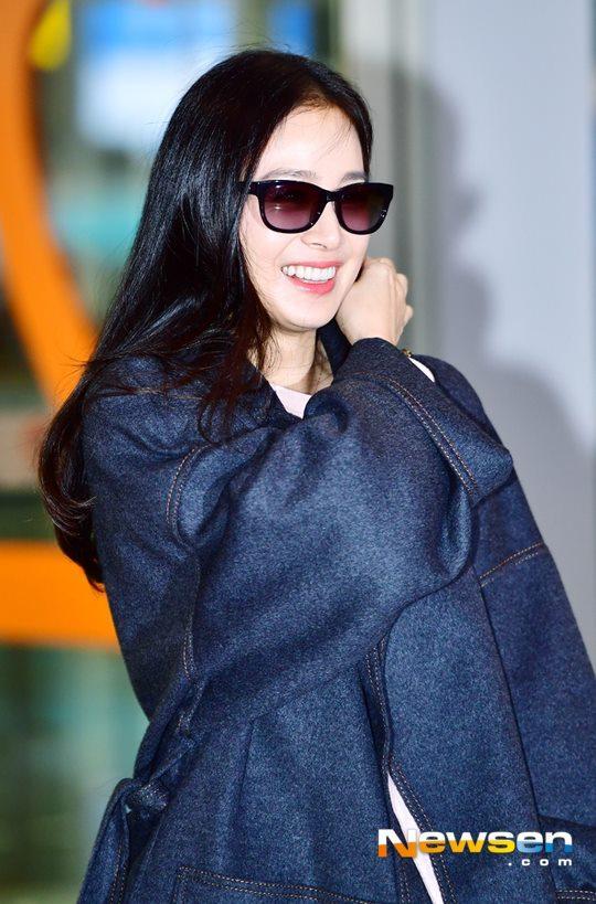 U40 Kim Tae Hee sở hữu làn da mịn màng khiến thiếu nữ phát ghen-6