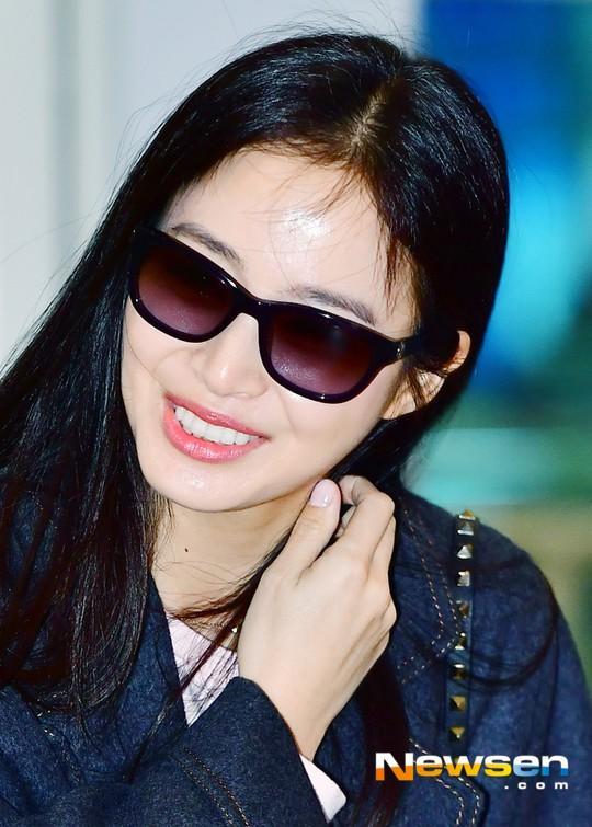 U40 Kim Tae Hee sở hữu làn da mịn màng khiến thiếu nữ phát ghen-9