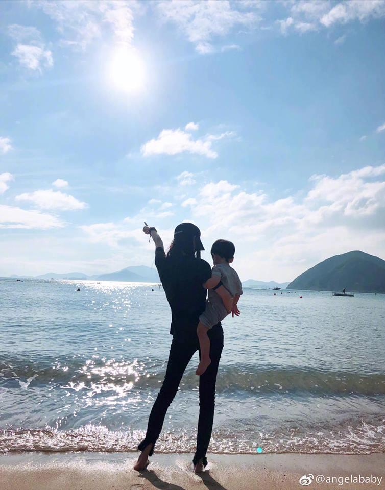 Mặc kệ tin đồn ly hôn ông chồng tài tử, Angela Baby vẫn đăng ảnh hạnh phúc bên tiểu thiếu gia nhà họ Huỳnh-1