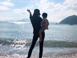 Mặc kệ tin đồn ly hôn ông chồng tài tử, Angela Baby vẫn đăng ảnh hạnh phúc bên tiểu thiếu gia nhà họ Huỳnh