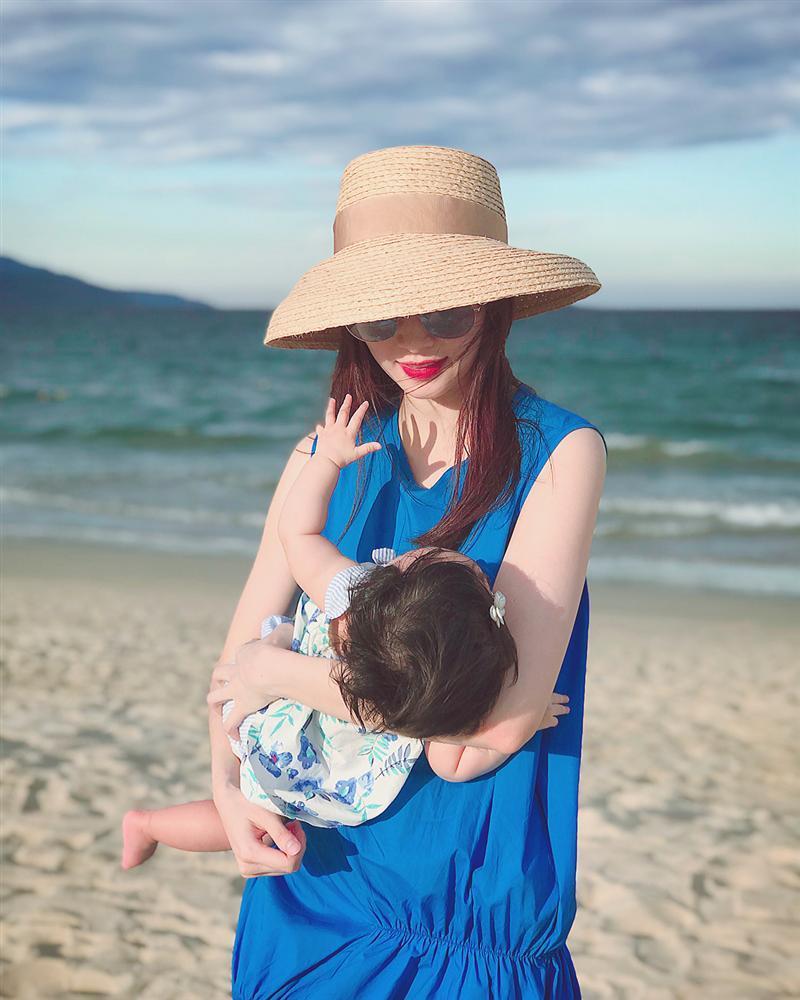 Mới 8 tháng tuổi, ái nữ nhà Đặng Thu Thảo đã điệu ơi là điệu khiến bà mẹ hoa hậu còn phải giật mình-7