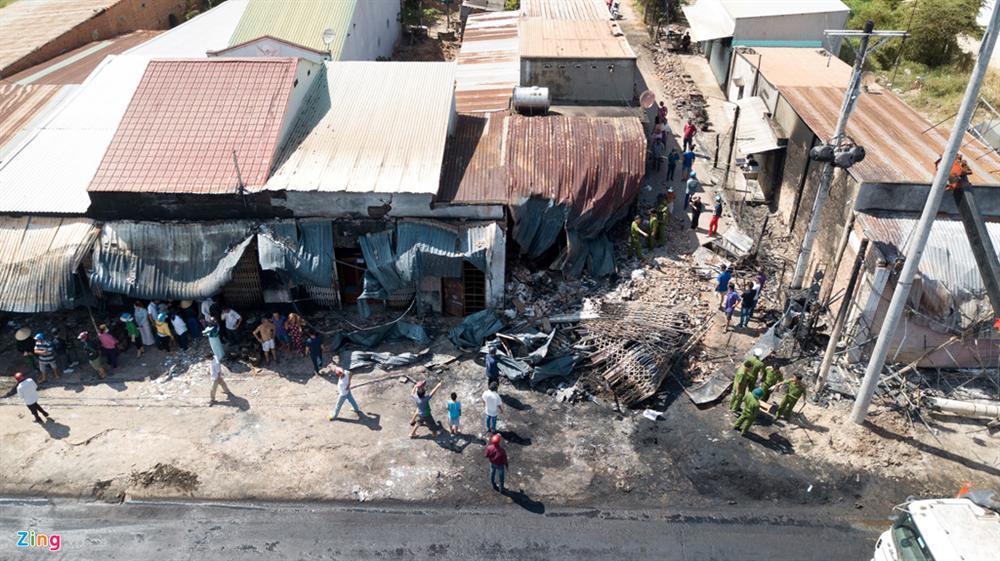 Lật xe bồn chở xăng khiến 6 người tử nạn: Thần chết đến trong giấc ngủ-3