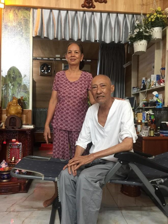 Vợ nghệ sĩ Lê Bình bất ngờ quay về chăm sóc chồng, chuẩn bị cho tình huống xấu nhất-3