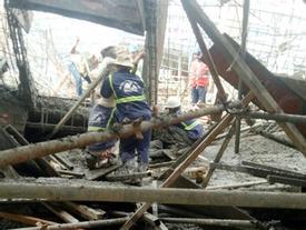 Sập sàn bê tông nhà 3 tầng, một người chết