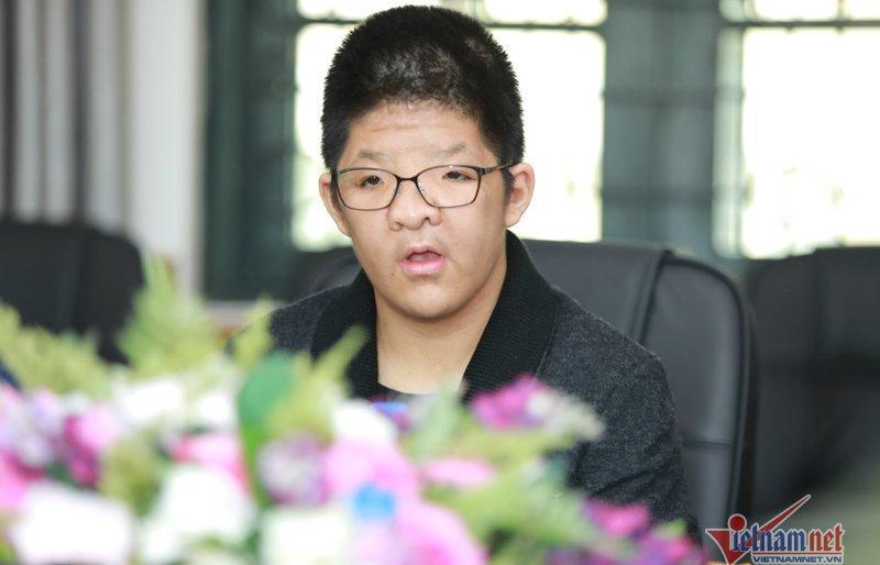 Diễn viên Quốc Tuấn: Bé Bôm hôn đàn trước khi đi ngủ-2