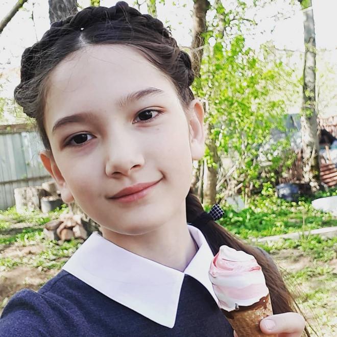 Ngắm vẻ đẹp lai của em gái thủ môn Đặng Văn Lâm-2