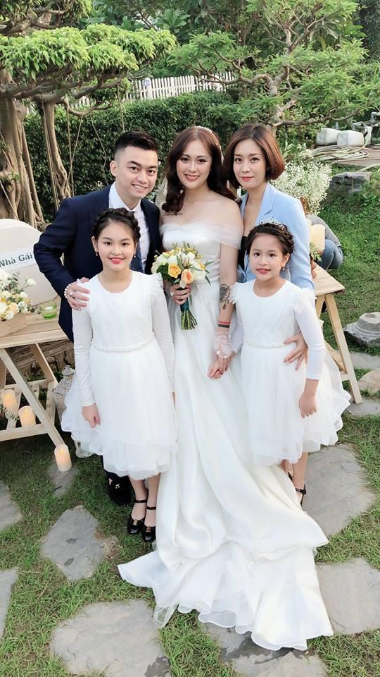 Vượt mặt anh là cơ trưởng điển trai, con gái út xinh đẹp của nghệ sĩ Hương Dung lấy chồng ở tuổi 24-1
