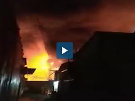 Cháy lớn ở Sài Gòn ngay trong bão