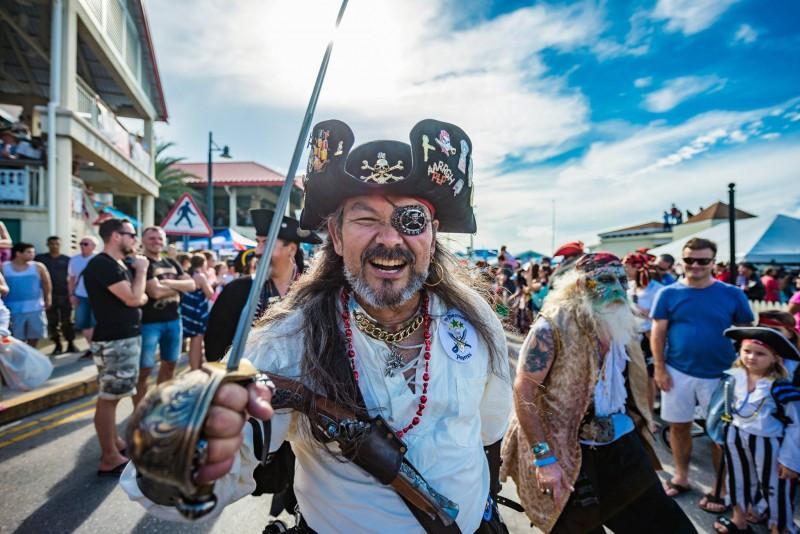 Hóa thân thành cướp biển vùng Carribean ở quần đảo Cayman-5