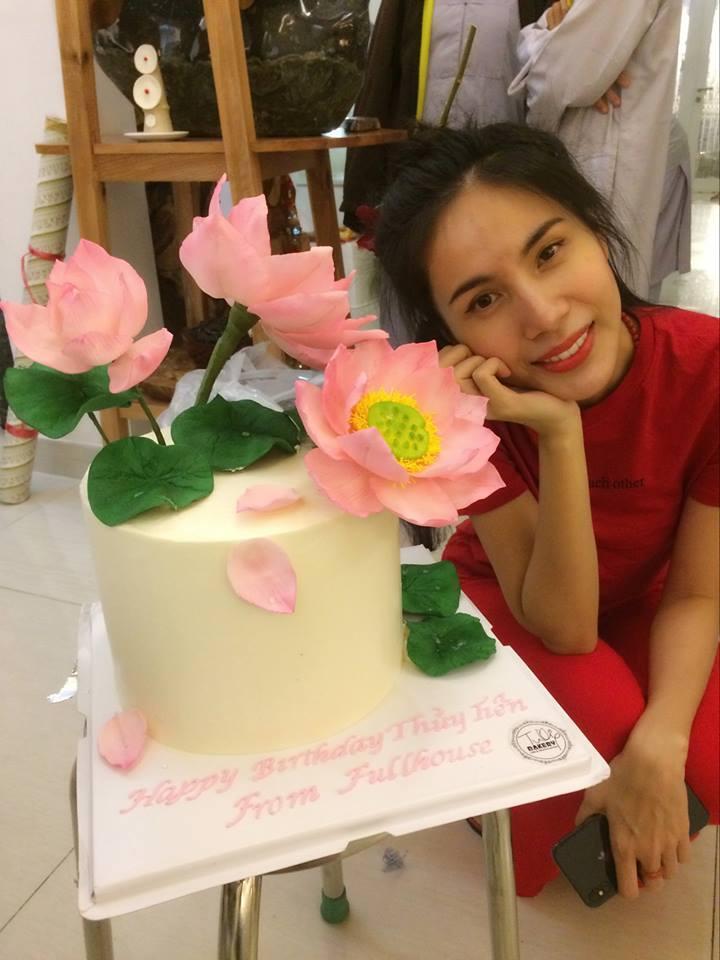 Fan xuýt xoa trước hình ảnh Thủy Tiên chân chất, mặt mộc không tì vết đón sinh nhật tuổi 33-5
