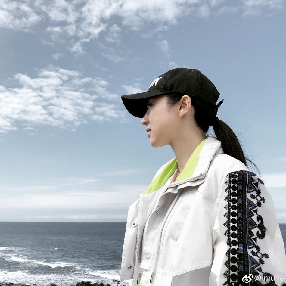 Cao Vân Tường tiều tụy vì hầu tòa án cưỡng dâm, bà xã Đổng Tuyền vẫn vui vẻ check-in du lịch-3